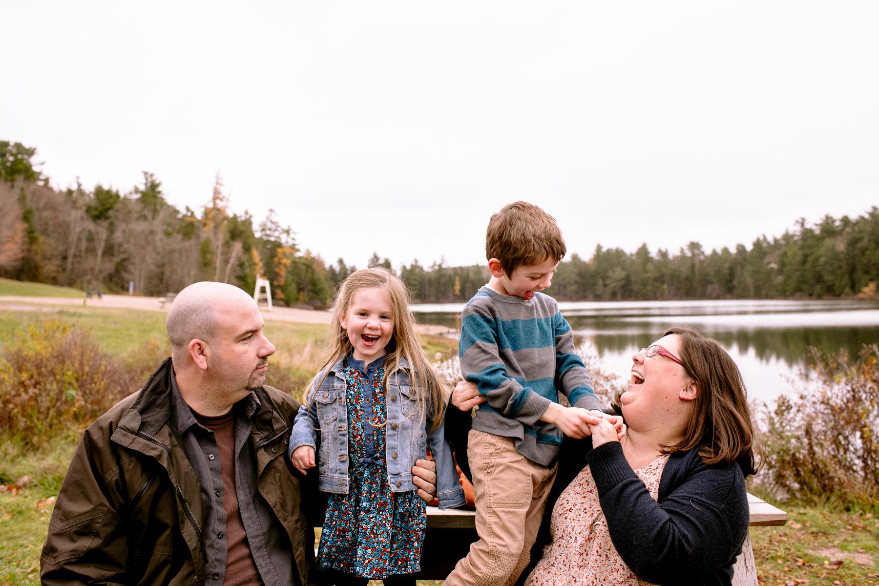 011-fredericton-family-portraits-kandisebrown-vsjo2016